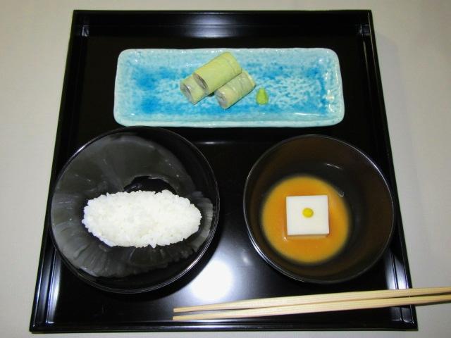 茶懐石料理の膳,折敷,おしき,飯,汁,向付