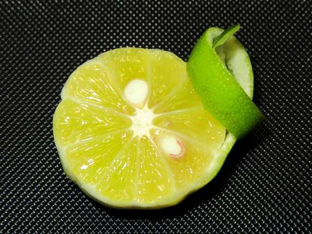すだちの切り方,酢橘の飾り切り,焼き物あしらい菊花むき