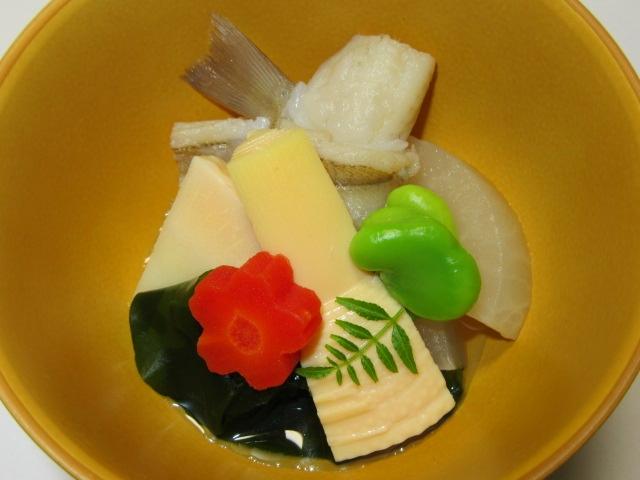 春の炊き合わせ,筍の煮物,桜人参と一寸豆
