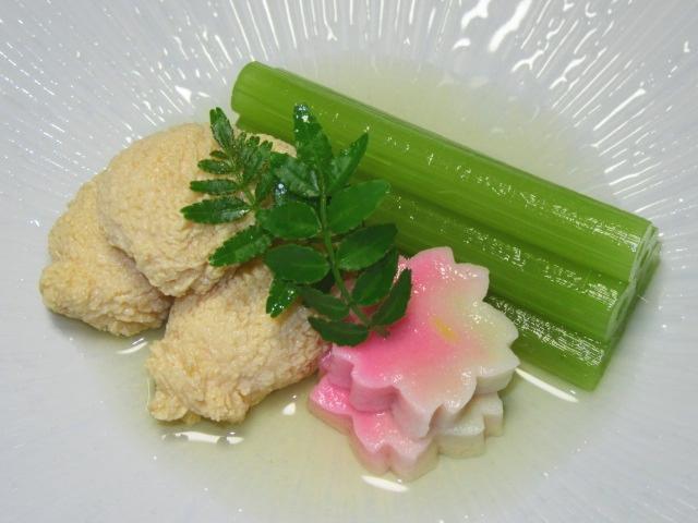 春の煮物の献立,ふき,鯛の子,桜麩