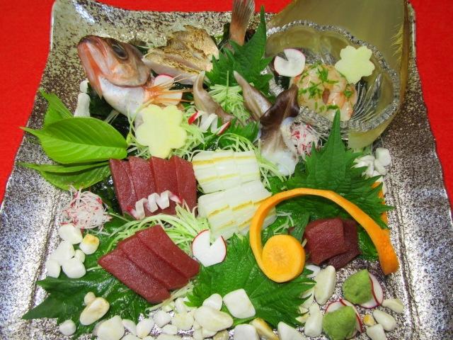 刺身の盛り合わせ画像,めばる,まぐろ,焼き目いか,鳥貝,まぐろ,海老
