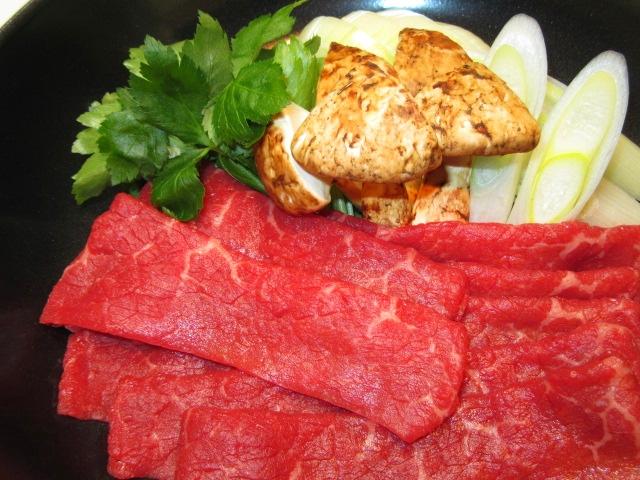 牛肉と松茸のすき焼き