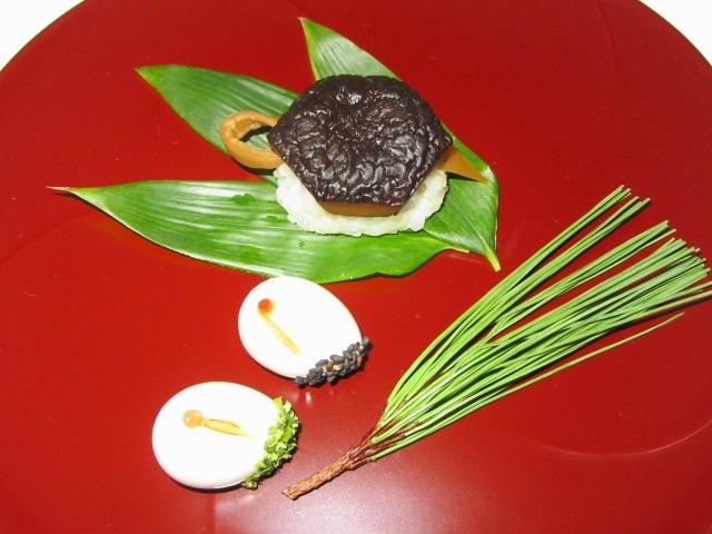干し椎茸の亀型寿司の作り方と鶴玉子の盛りつけ例
