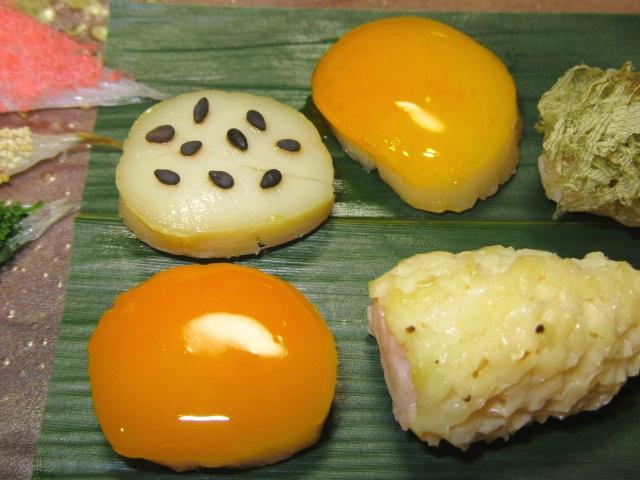 帆立貝の貝柱を使った三色焼き,黄金焼き,うにろう焼き,ごま塩焼きの献立