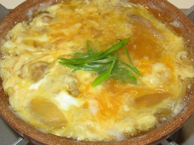 鶏肉と卵の親子鍋仕立ての献立