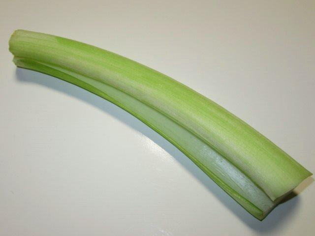 蓮芋の下処理方法,皮をむいた写真