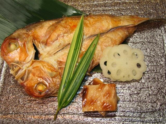 甘鯛の開き,姿焼き,花れんこん甘酢漬け,焼き目湯葉八方煮