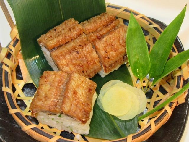 焼き鱧の棒寿司,生姜の甘酢漬け