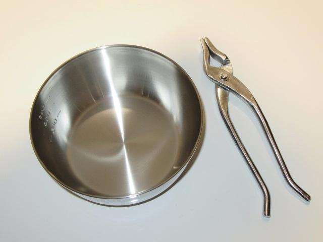 やっとこ鍋とやっとこの写真,調理道具