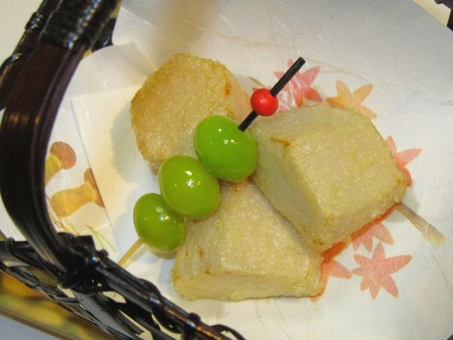 たけのこ芋の唐揚げ,ぎんなん串打ち,秋の揚げ物の献立