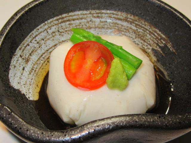 ごま豆腐,ミニトマト,ミニアスパラ,わさび