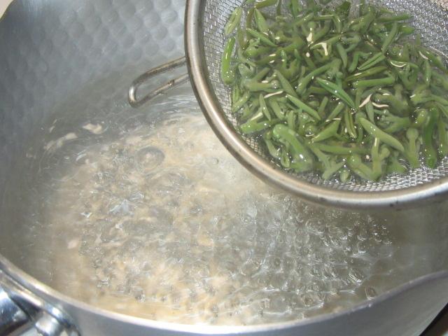 じゅん菜の下処理方法