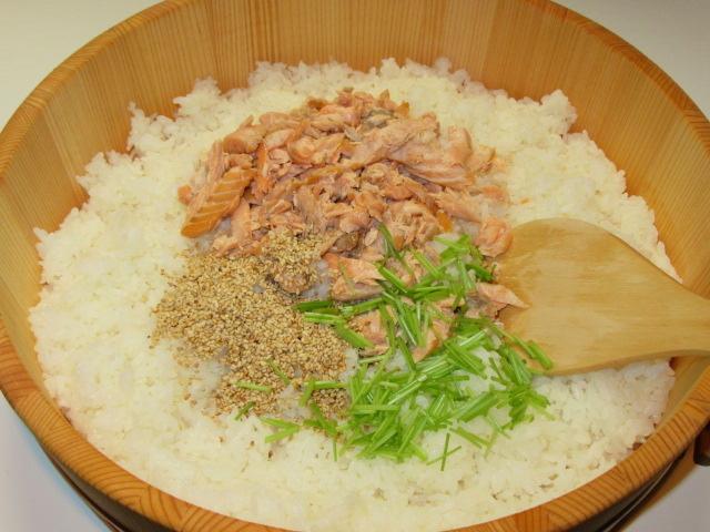 秋鮭の混ぜご飯の作り方